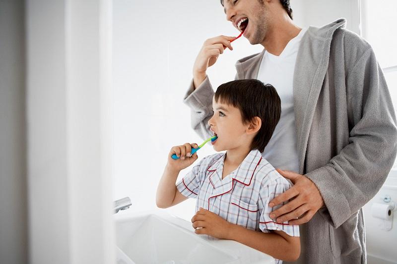 Igiene orale dei bambini: come educarli sin da piccoli
